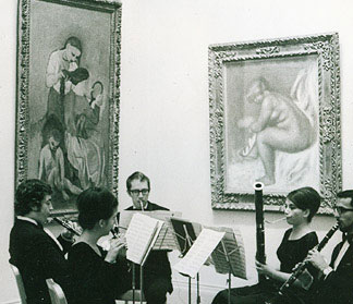 Juilliard Woodwind Quintet at the Metropolitan Museum of Art, with John Cerminaro (horn), Julie Feves (bsn), John Moses (clar), and Michael Kamen (ob)